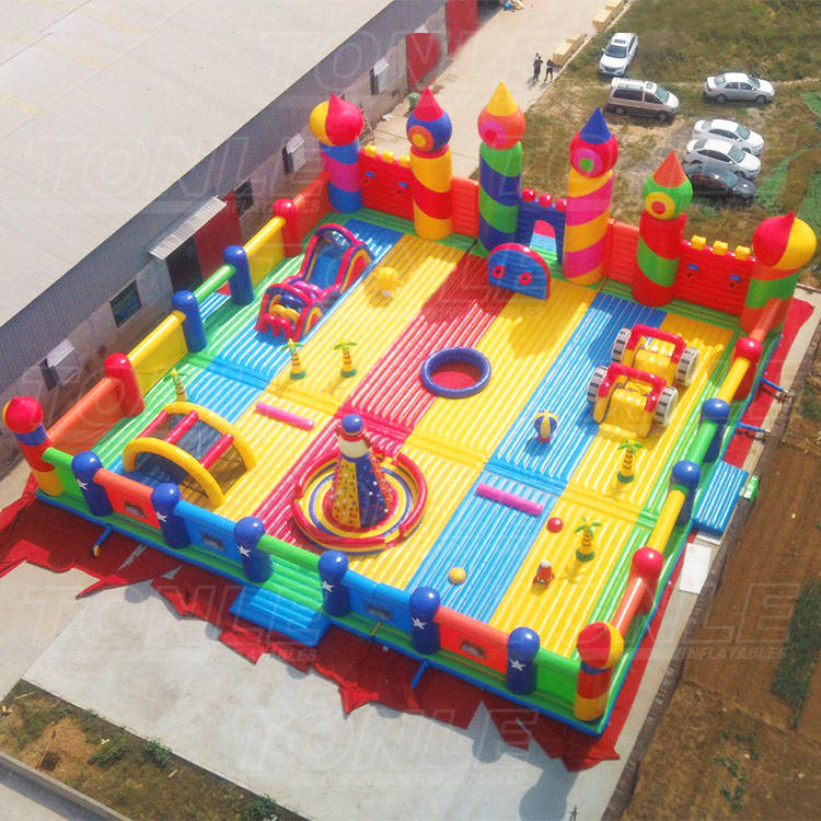 Customized World's Biggest Bounce House, Largest Inflatable Theme Park, bouncy castle for adults