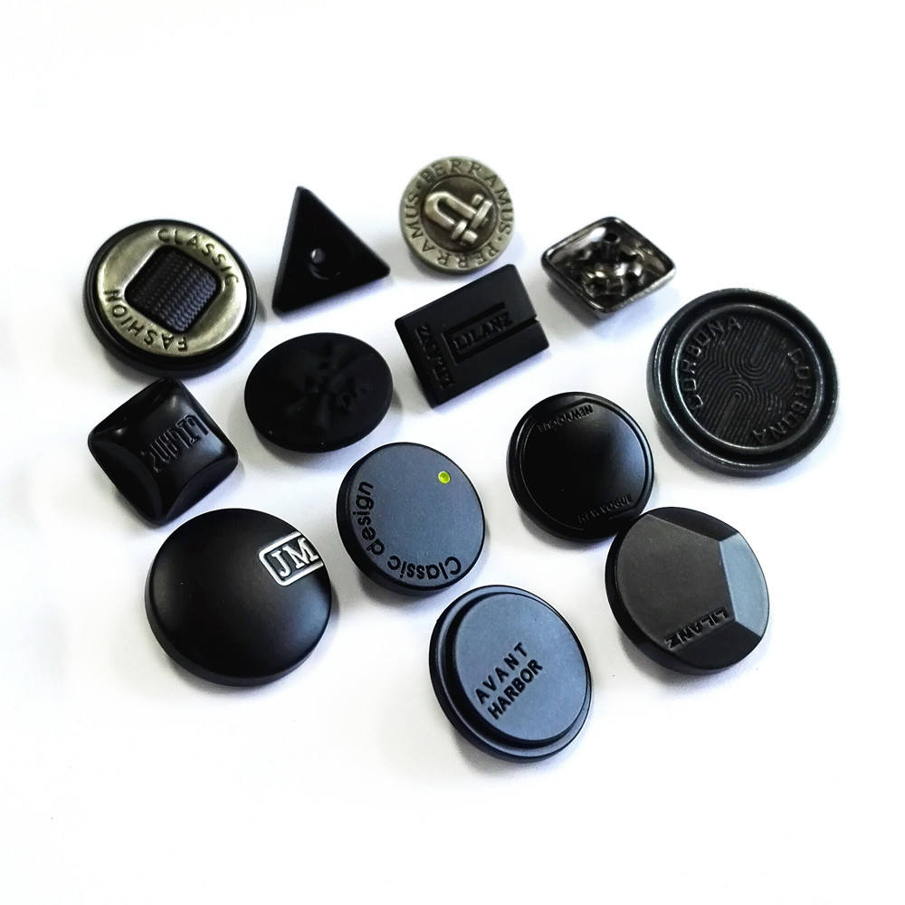 Manufacturer vintage letters carve engrave logo black silver custom shape square metal alloy snap button