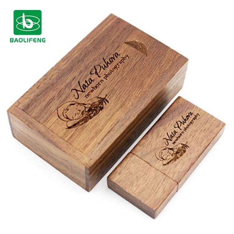 ウェディングギフトカスタマイズされた木製の Usb フラッシュドライブボックスペンドライブ 4 ギガバイト 8 ギガバイト 16 ギガバイトの usb 結婚式のため