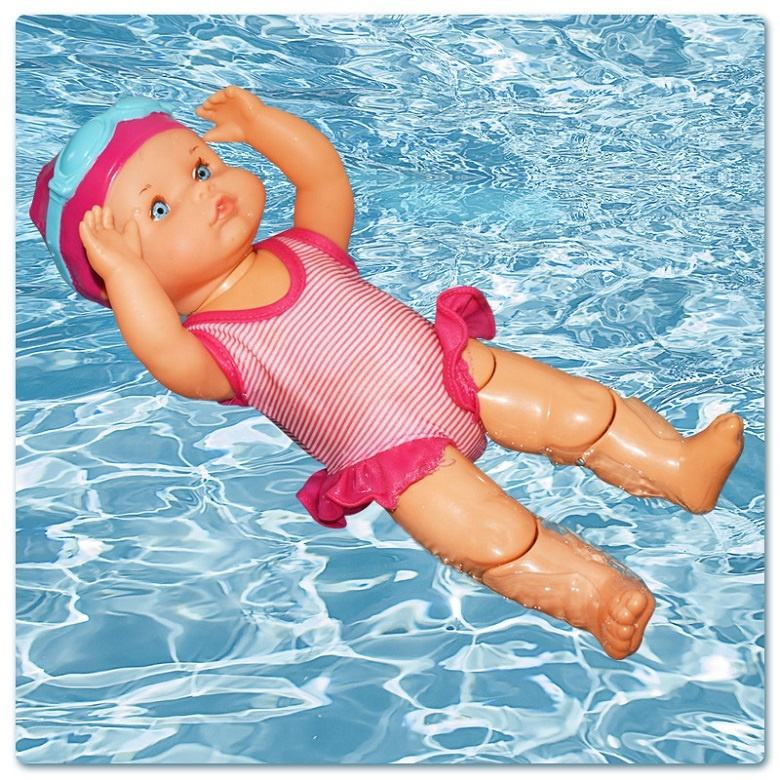 2020 hot selling summer interactive toy 13 inch electric realistic baby swimming doll with movable joints