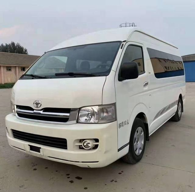 Original Japanese Used Toyota Hiace Van, 13 Seats Manual Diesel or Gasoline Engine both available for Sale