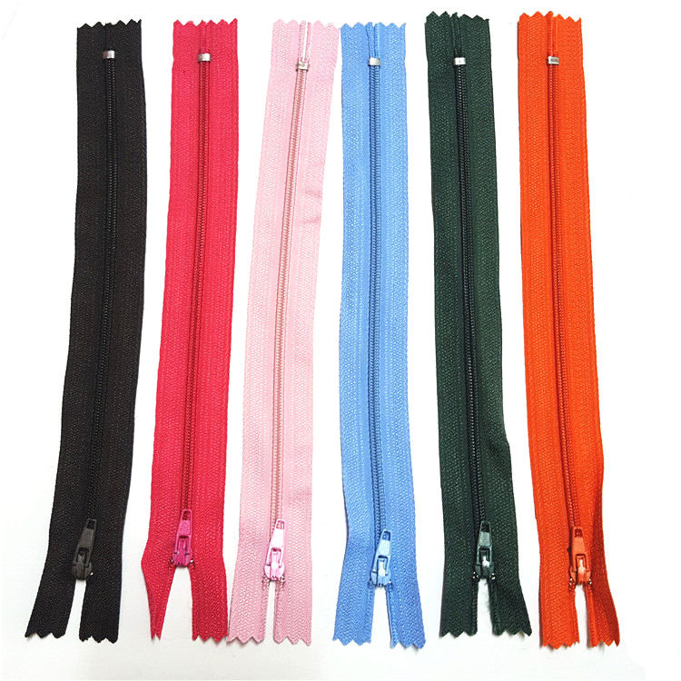 Custom Factory Wholesale Price 3# 5# 8# 10# High Quality Zipper For Sale Nylon Zip Zipper For Clothes