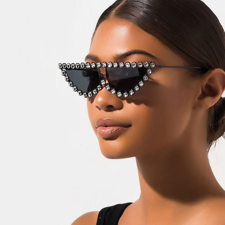 Kenbo Luxury Diamond Sunglasses Women Rhinestone Frame Cat Eye Sun glasses Sunglasses 2020