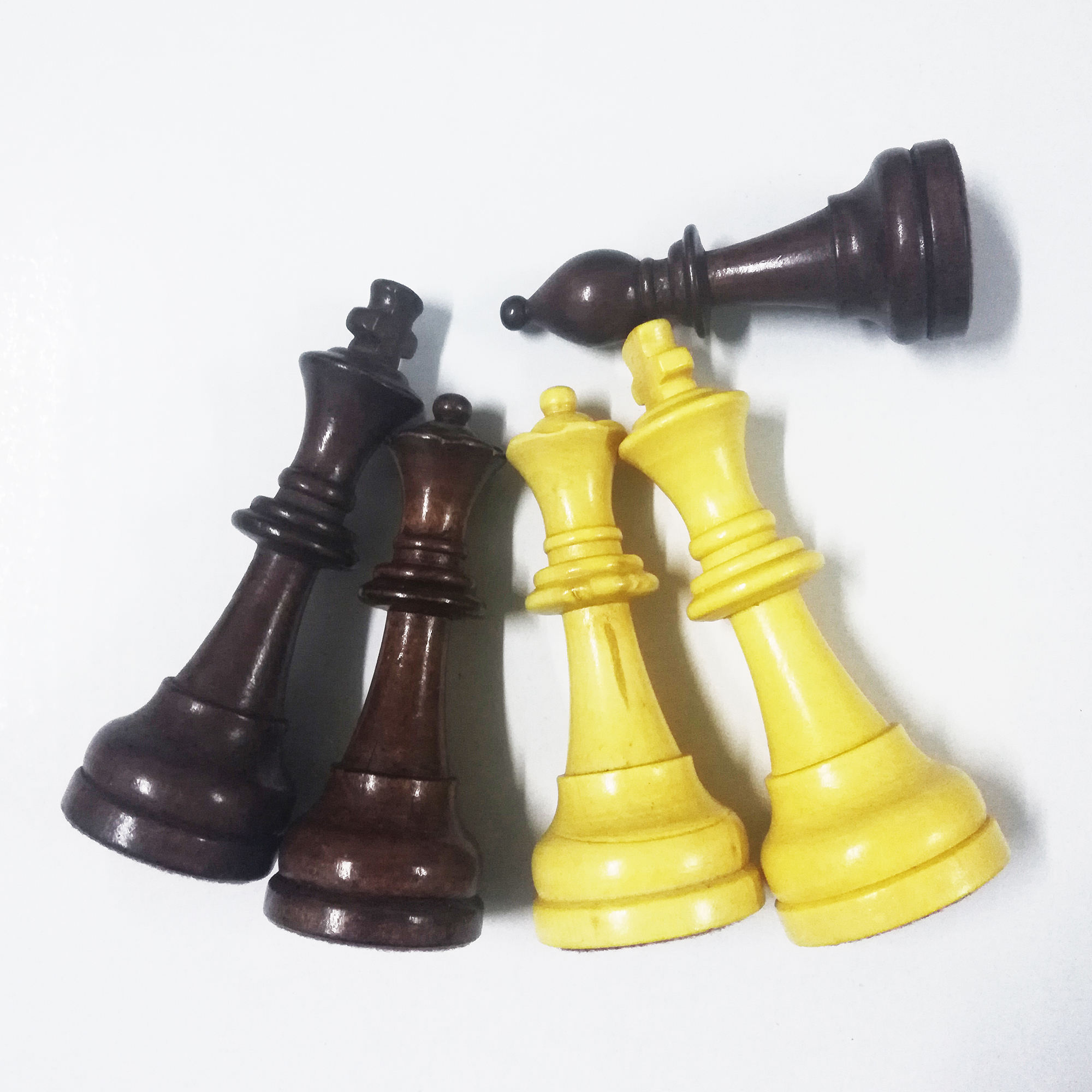 Custom Wooden Chess Pieces with out Board, Wood Chess Pieces, chess piece