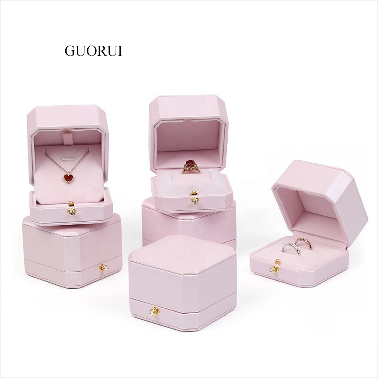 Custom Pink leather Small Vintage Jewelry Box High End Luxury Velvet Jewelry Necklace Ring Packaging Earring Gift Box