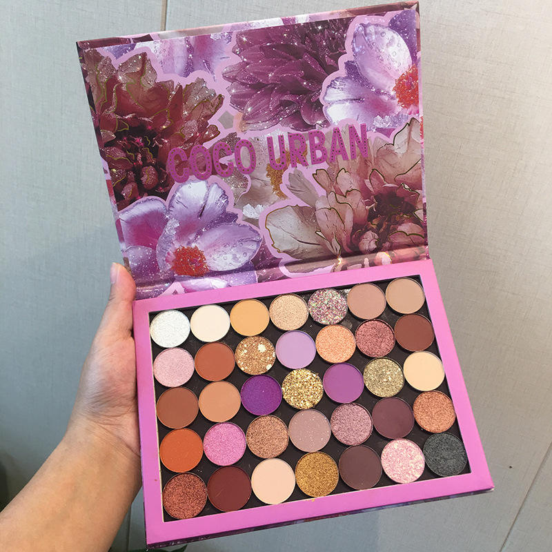 Fast delivery 2020 butterfly eyeshadow palette smooth glitter eye shadow palette