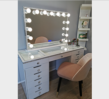 Luxury Modern Clear Glass Diamond Hollywood Lighted Makeup Mirror Vanity With Bluetooth Speaker With 13 Drawers Shinny Dresser