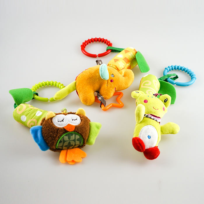 Guangdong baby crib hanging toys plush duck baby organic teether rattle soft toys