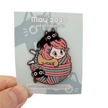 Shuanghua customize black metal zinc alloy enamel pins