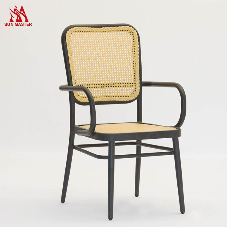 Wholesale Price modern Outdoor furniture rattan Aluminum chair and table