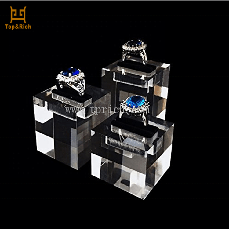 Clear Plexiglass Finger Ring Display Acrylic Jewelry Display Block