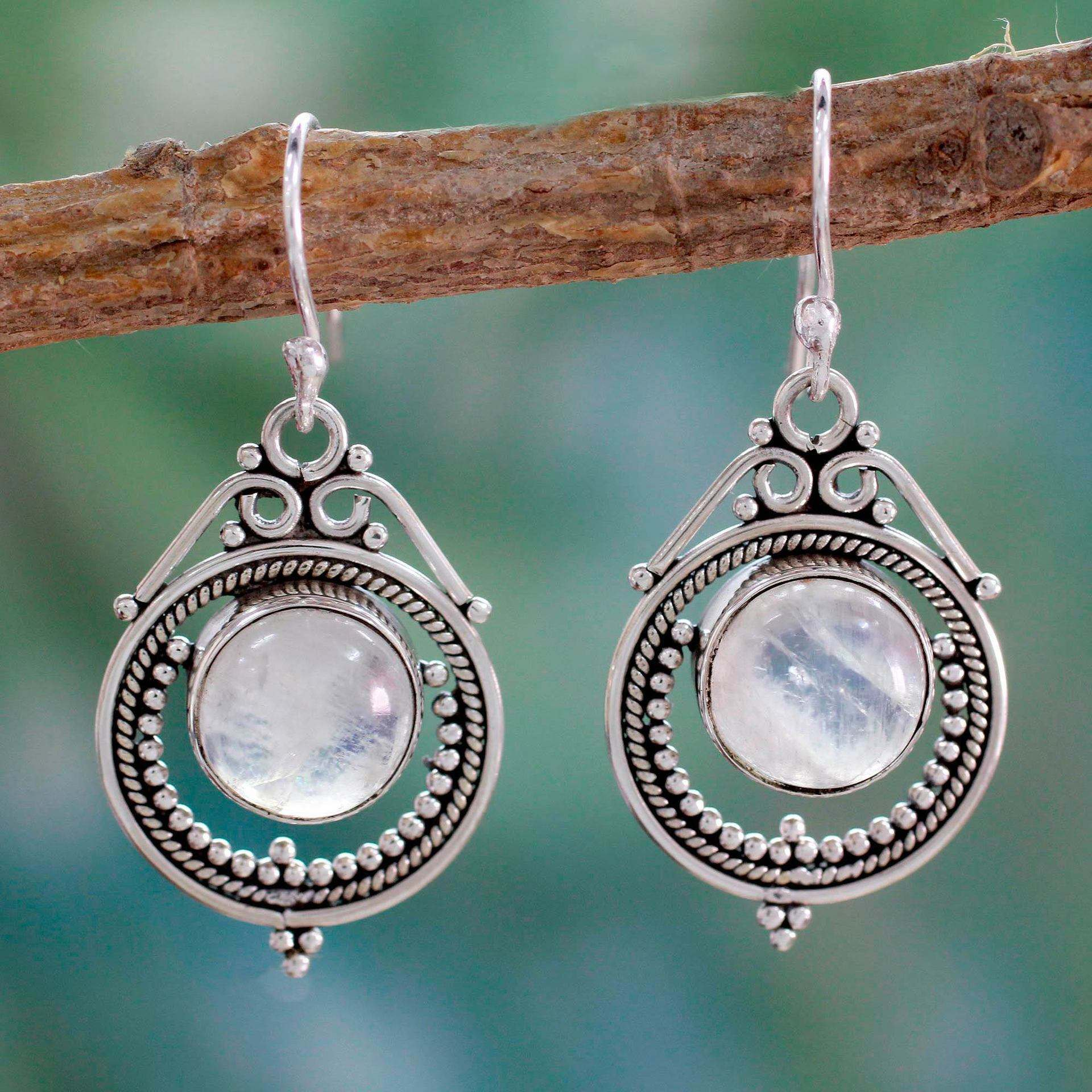 Vintage Mumbai Moon Moonstone Earrings European and American Handmade Silver Plated Dangle Earrings for Women Bohemian Jewelry