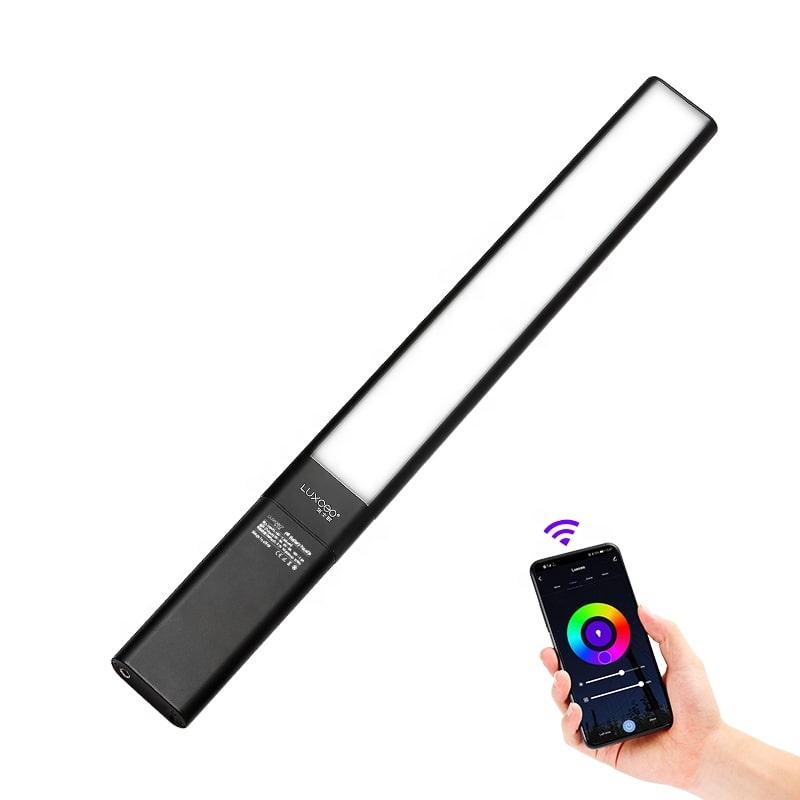 NEW Product LUXCEO P6 RGB Phone APP Control Special Light Effect Removable Battery Handle Photography Handheld LED Video Light