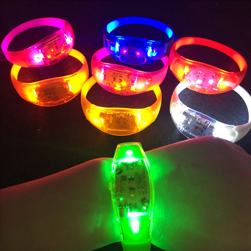 Voice Activated Siliconen Armband Fashion Hand Armband Led Knippert Bangle voor Festival