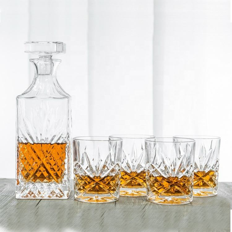 High-grade 28oz Lead-Free Irish Style whiskey decanter set