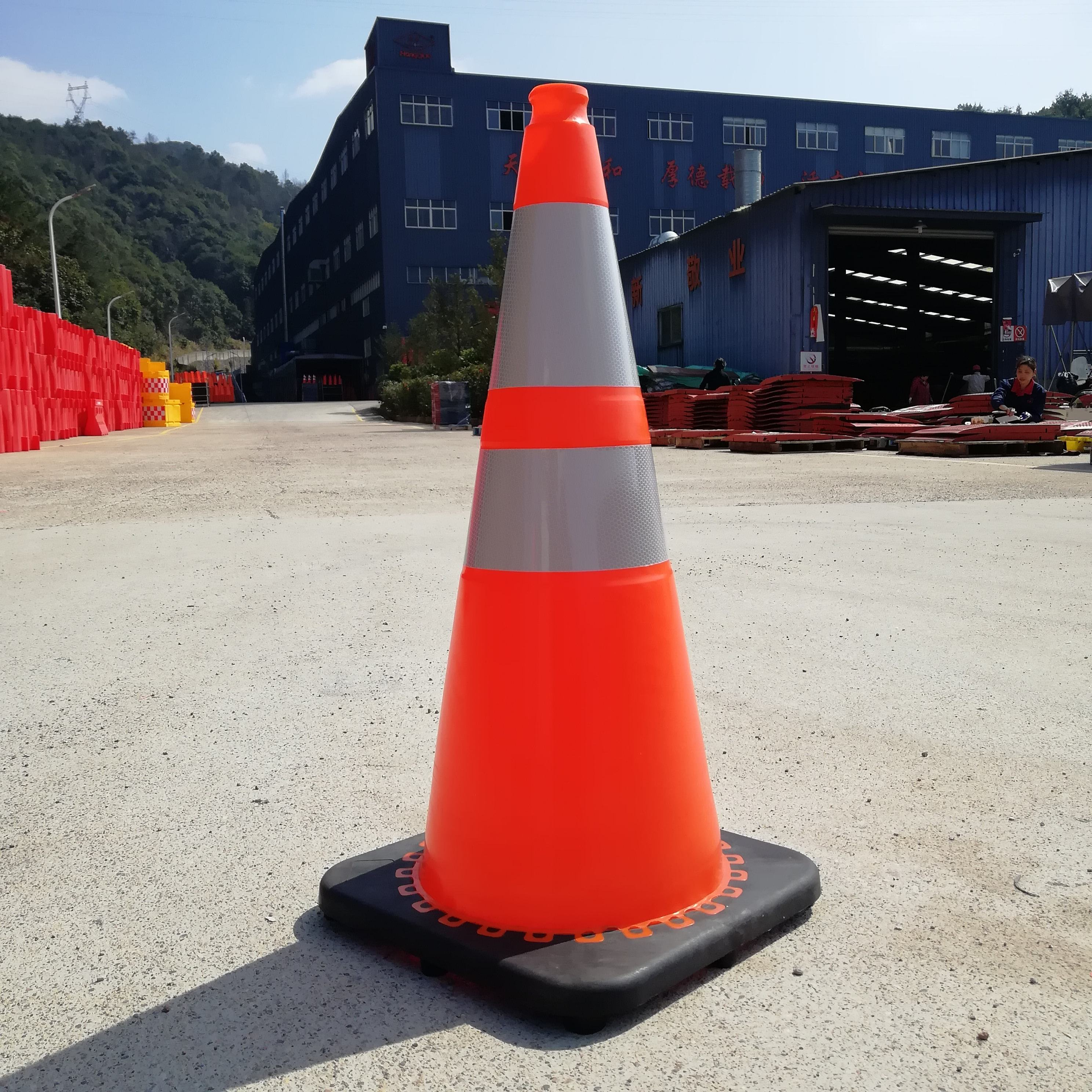 "28"" Orange Wide Traffic Cone w/6"" and 4"" Collars"