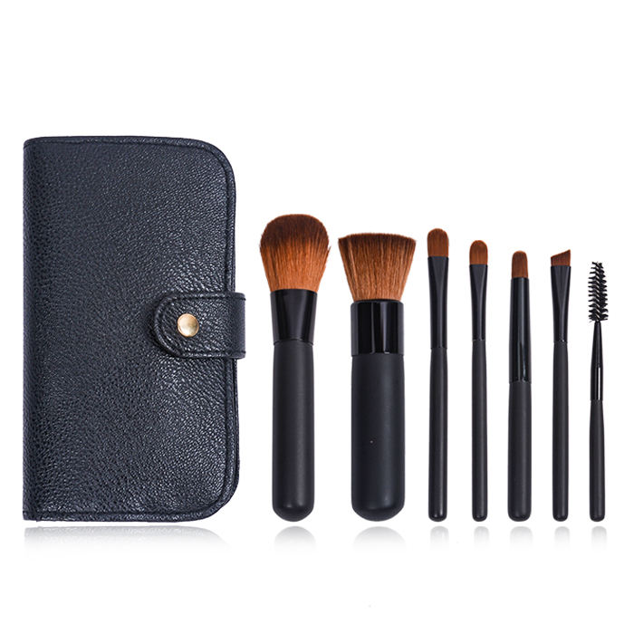 OEMミニSynthetic Hair Black Wooden Handle 7 PCS Makeup Brush Set