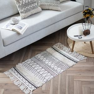 Hot selling floor carpet living room floor mat Nordic hand tufted carpet for home