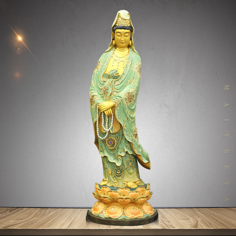 Taiwan pure copper lacquer painting Guanyin Buddha ornaments Guanyin Bodhisattva statues Rosary Guanyin station statues