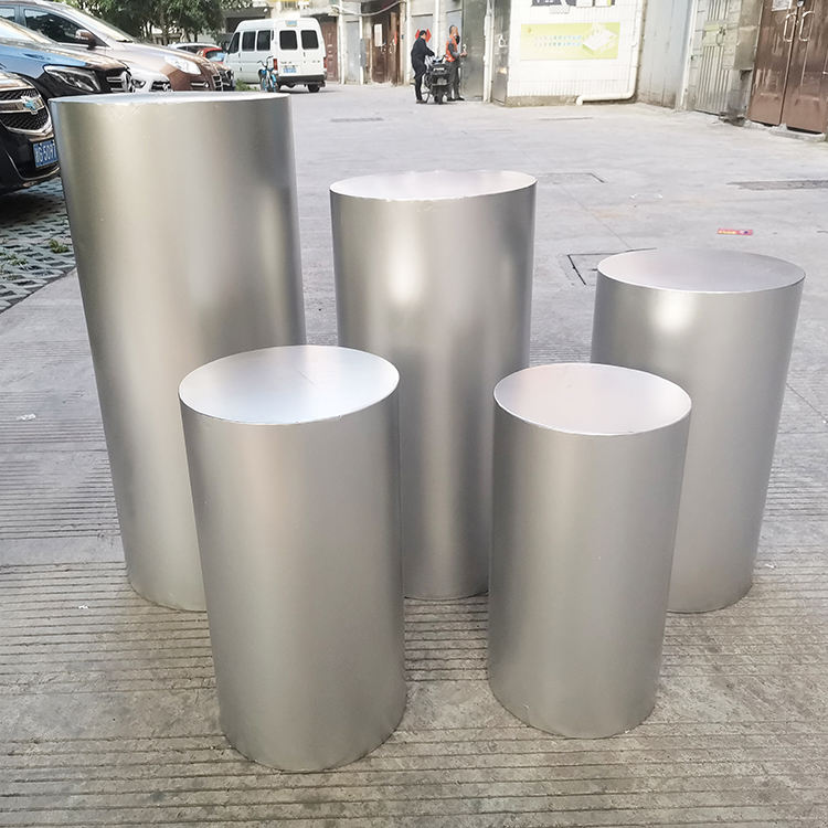 silver round cylinder pedestal/ plinths/ display stand for wedding