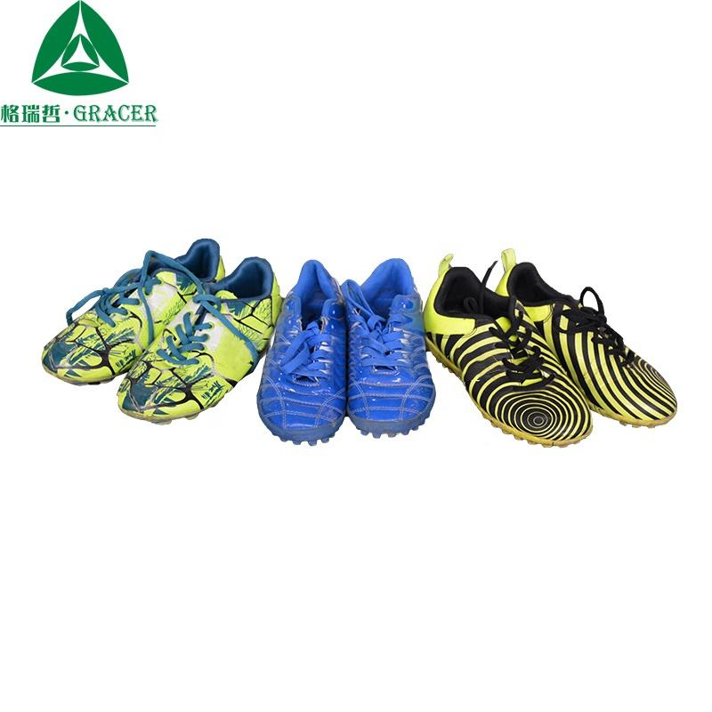 2019 Design soccer shoes used per kg second hand dubai sports shoes