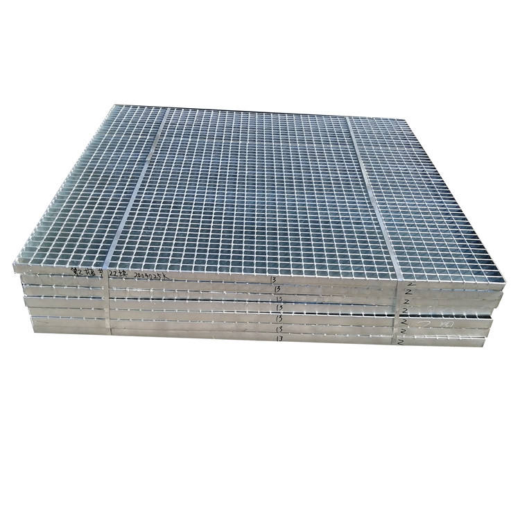 High quality 30x5 32x5 serrated stainless galvanized steel bar grating plate for floor