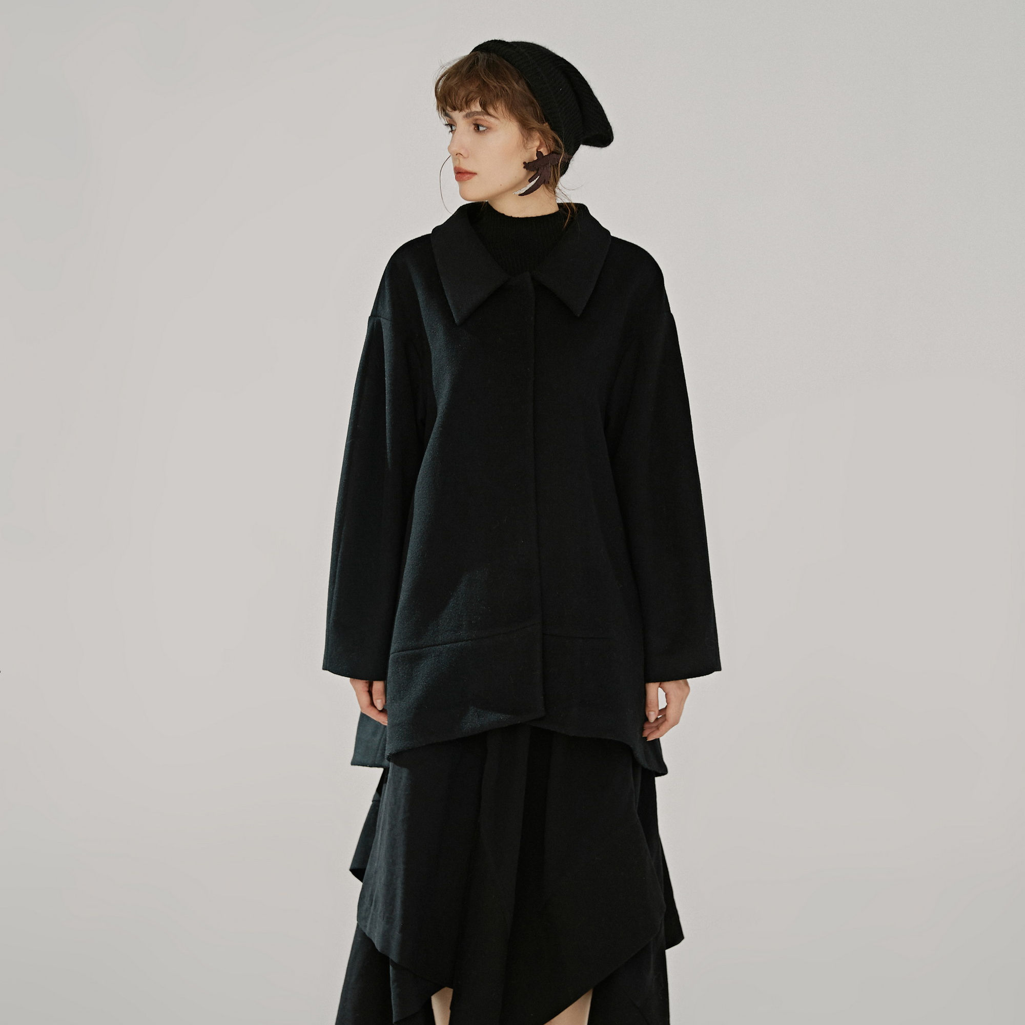 J1908003 Lady's dark style japan women winter coat concise and comfortable cashmere wool coat