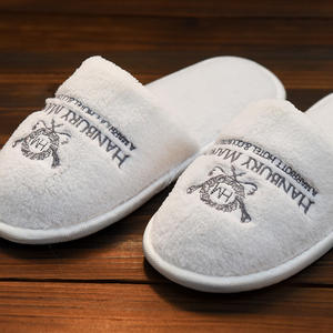 Personalized White Disposable Hotel Slippers,High Quality Hotel/Spa Slipper