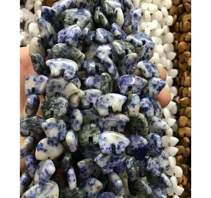 wholesale 13*18*6mm or customized blue natural gold spot sodalite or sodalite or lapis lazuri carved animal zuni bear beads