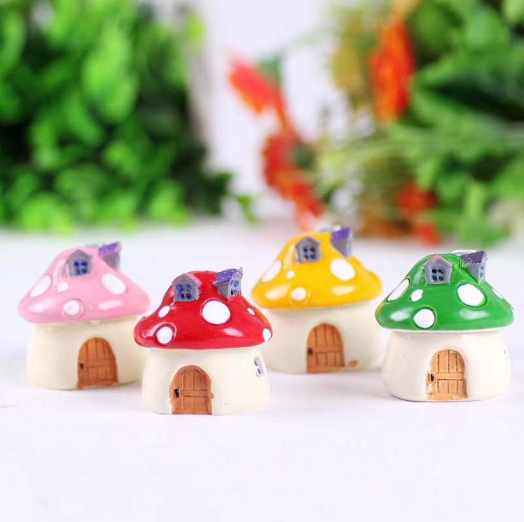 Wholesale Miniature Resin Mushroom House Gift for Garden Decoration