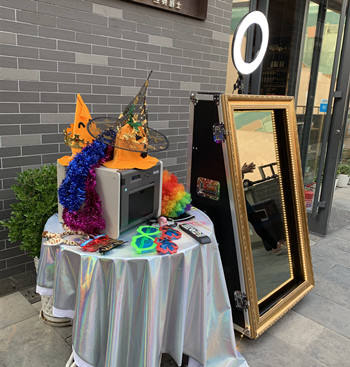 65 polegadas magic mirror photo booth, LCD Digital Signage Interior, espelho estande selfie