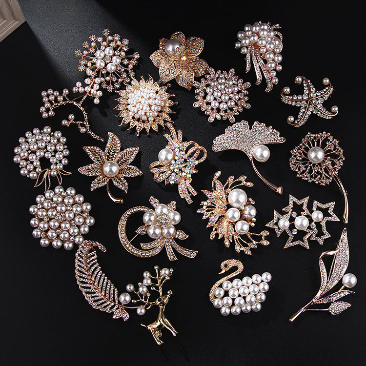 Popular Pearl Pin Brooch Wholesale Custom Flower gold Brooch Pin China Wholesale Crystal Women Brooch In Bulk