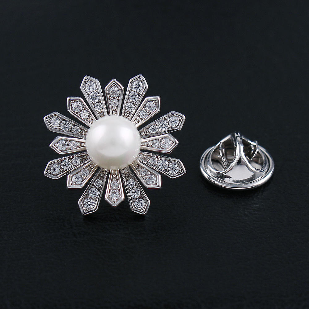 Women Flower Pearl Brooch Pin Jewelry Crystal Handmade Clothing Wedding Accessories Brooch for women girls