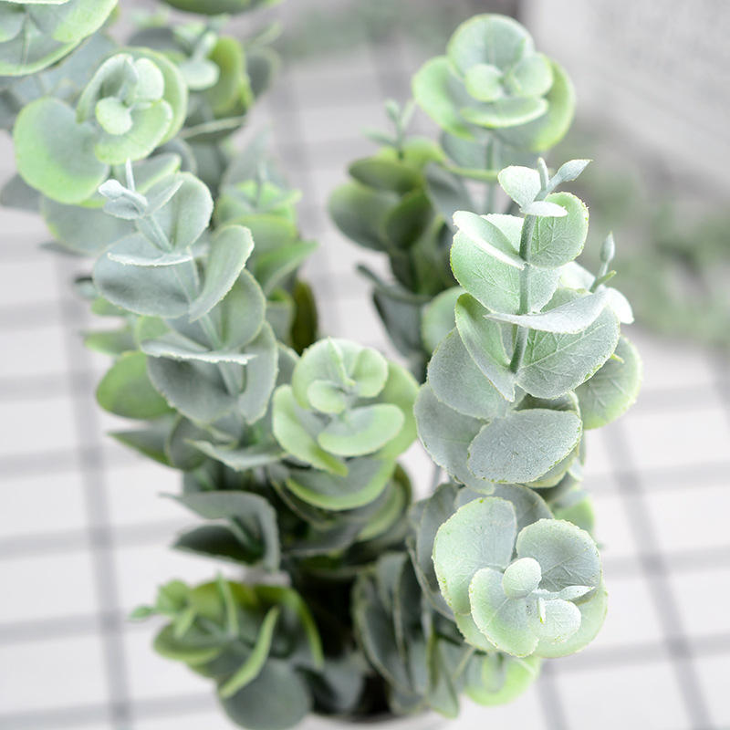 2020 OEM Factory Artificial Greenery Stems Silver Dollar Eucalyptus Leaf Silk Bushes Plastic Plants Floral for Home Party