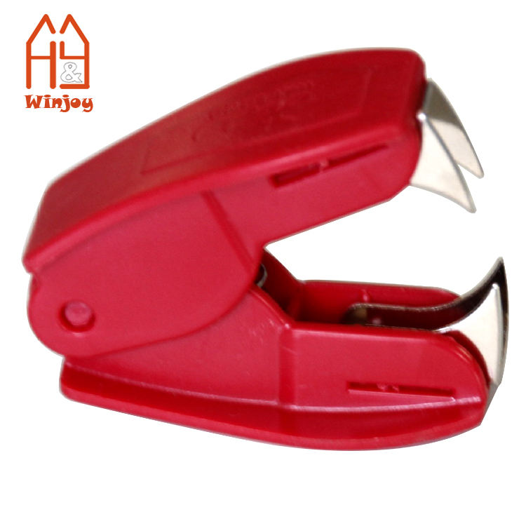 Wholesale and custom mini office desktop stapler remover, low MOQ cheap promotion gift.