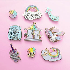 Custom Glitter Zachte Harde Emaille Goud Metalen Badge Geen Minimum Bts Kpop Leuke Dier Kat Revers Pin Fabrikanten China