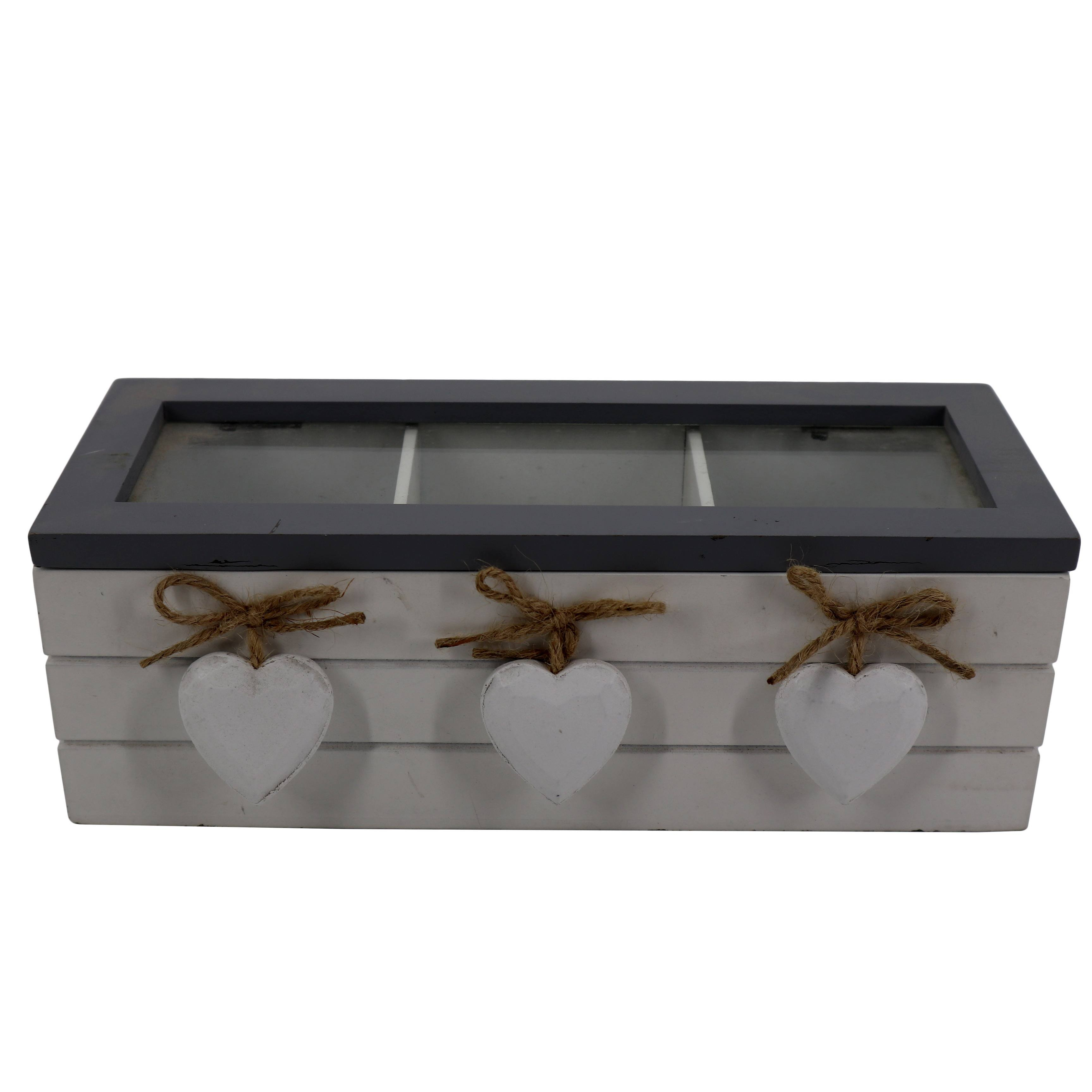 Fashionable three-pack wooden tea box with glass lidand three small hearts
