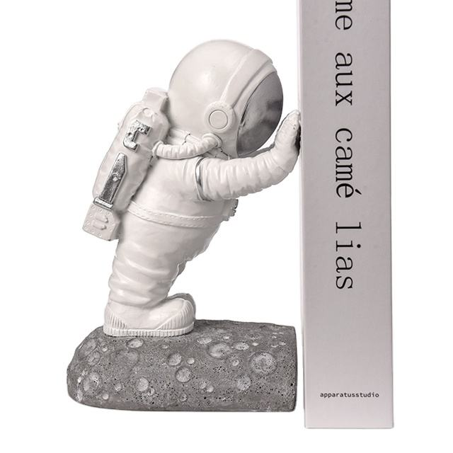 Amazon hot sell Resin astronaut figurine 3D decorative bookends for home office