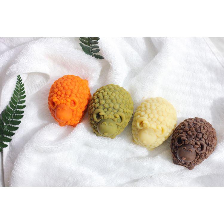 OEM ODM Customized Handmade Whitening Organic Natural Soap Sheep Shaped Bath Toiletry Soap For Kids