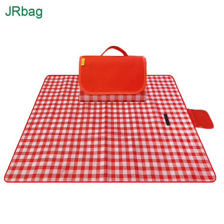 BSCI Factory Wholesale Custom Outdoor Extra Big Large Waterproof Red Plaid Foldable Travel Beach Picnic Blanket For Outdoor