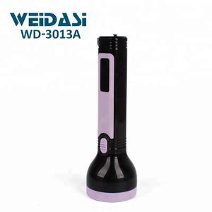 antorcha plástica de la lámpara de la linterna recargable ligera de seguridad de la mano con la iluminación llevada blanca