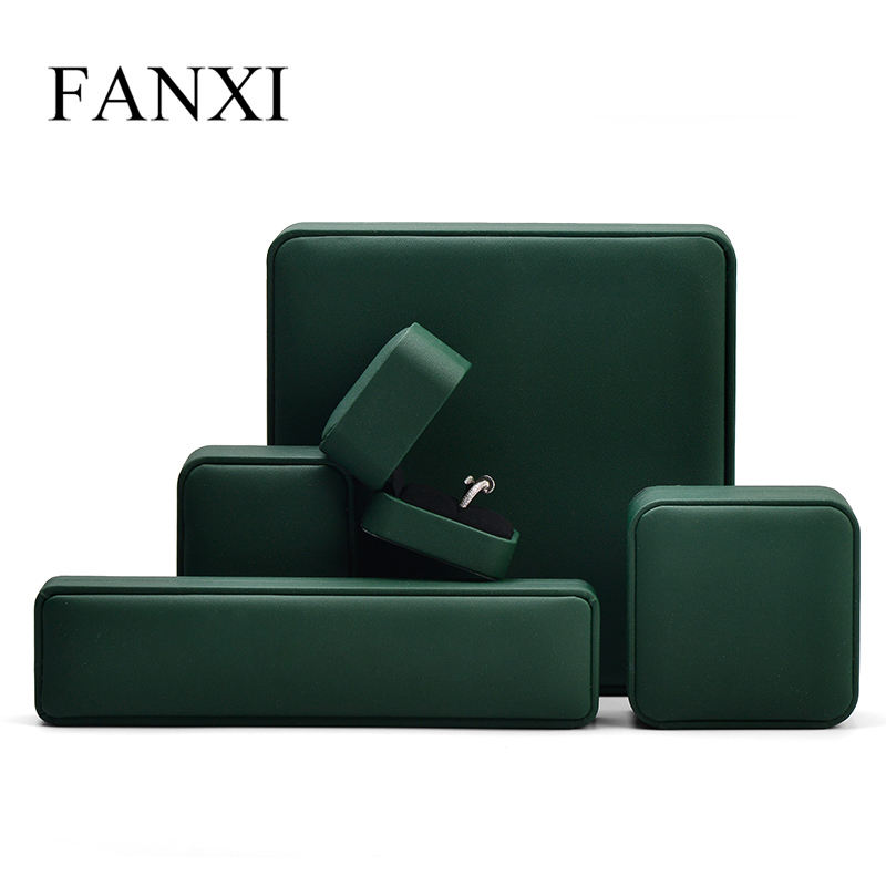 China Supplier high-end blackish green Pu leather vintage Jewellery Packaging Box for ring necklace Jewelry Packing Boxes