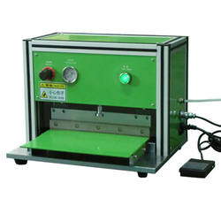 Lab Pneumatic Edge Trimming Cutting Machine For Pouch Cell Polymer Battery