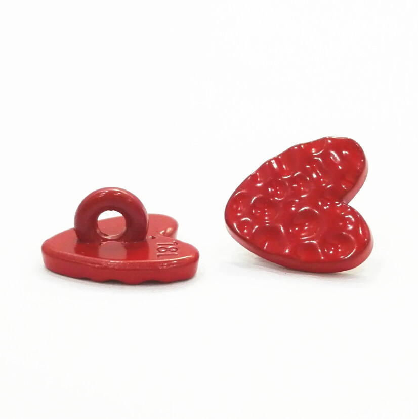 OEM fancy decorate cute Red heart shape metal sewing button for shirts lady