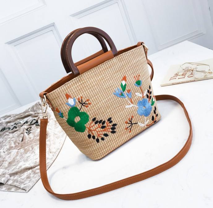 New model pompom straw beach bag paper summer tote bag for ladies