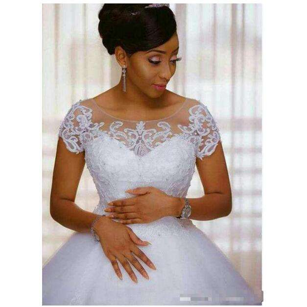 Morili white customized appliqued beaded lace puffy african ball gown cheap wedding gowns MWA487