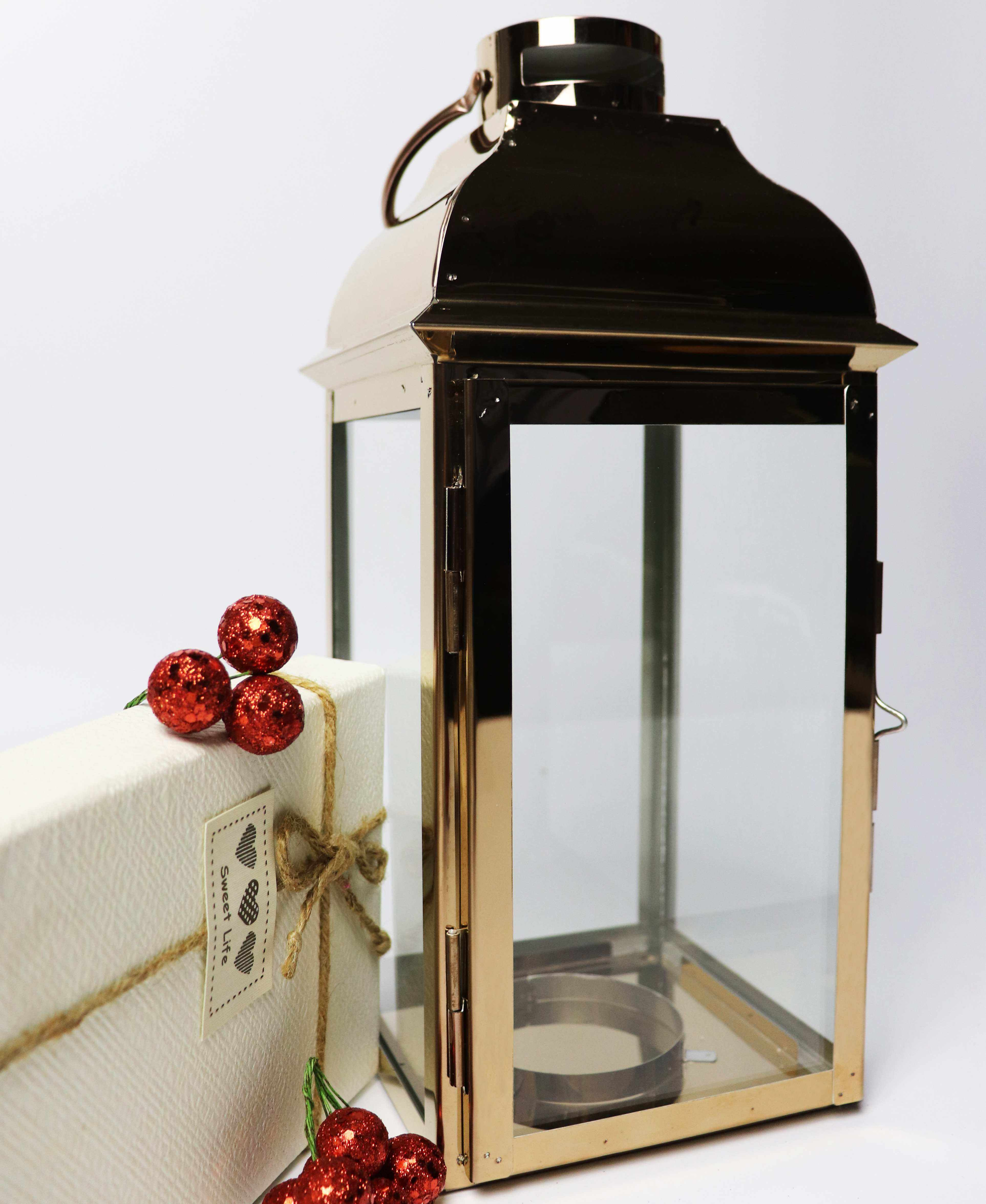New product Golden stainless steel hurricane lantern christmas candle lantern grave
