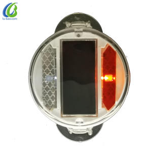 Excellent Visibility Portable Design Easy Assembly Solar Light Road Stud Lane Marker For Traffic Road Safety