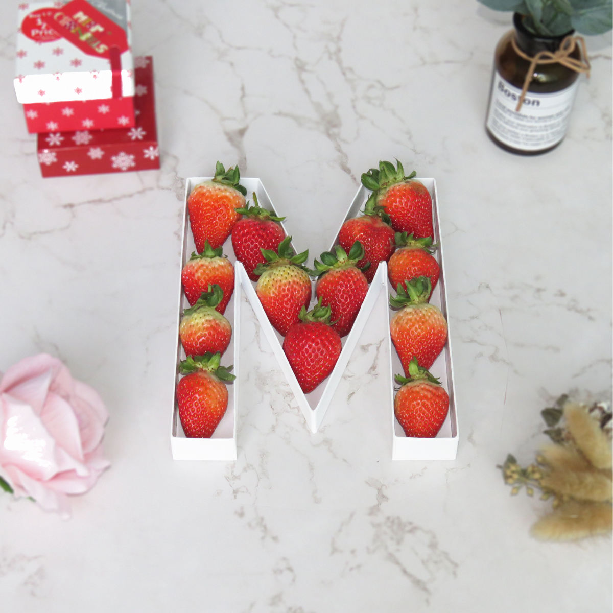 Decorative White Paper Alphabet Cardboard Boxes Mache Letter Shaped Gift box For Strawberry