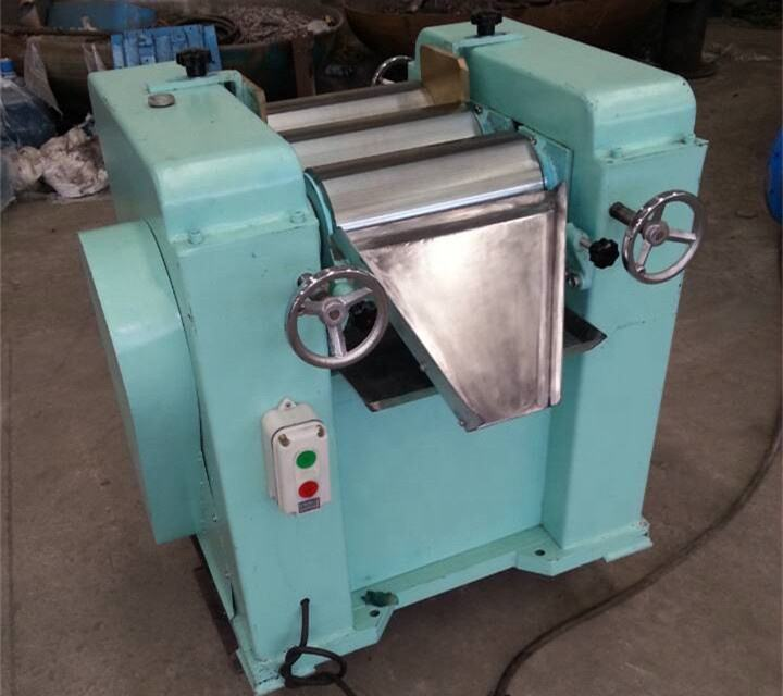 Chocolate three roller mill machine